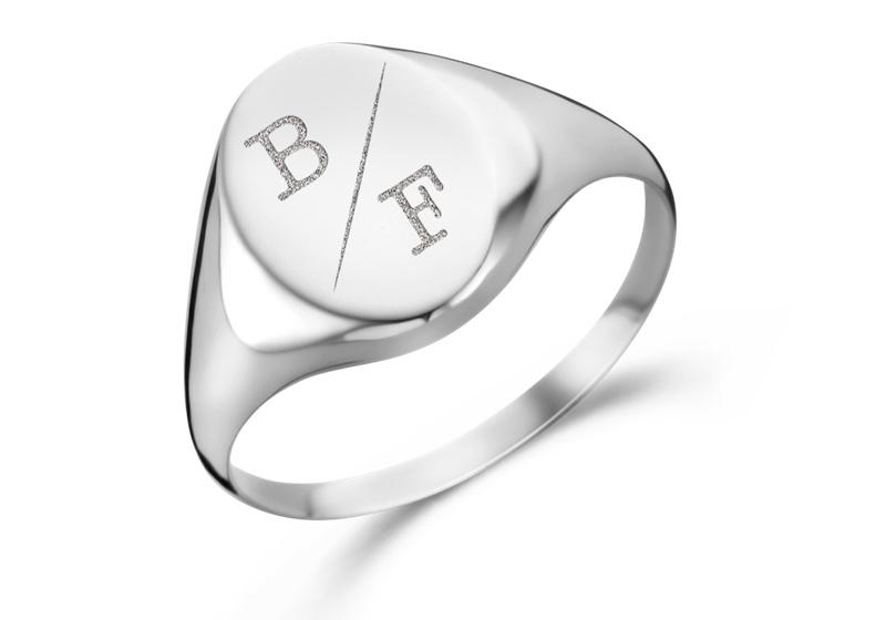 Ovale Zilveren Zegelring met Twee Initialen | Names4ever