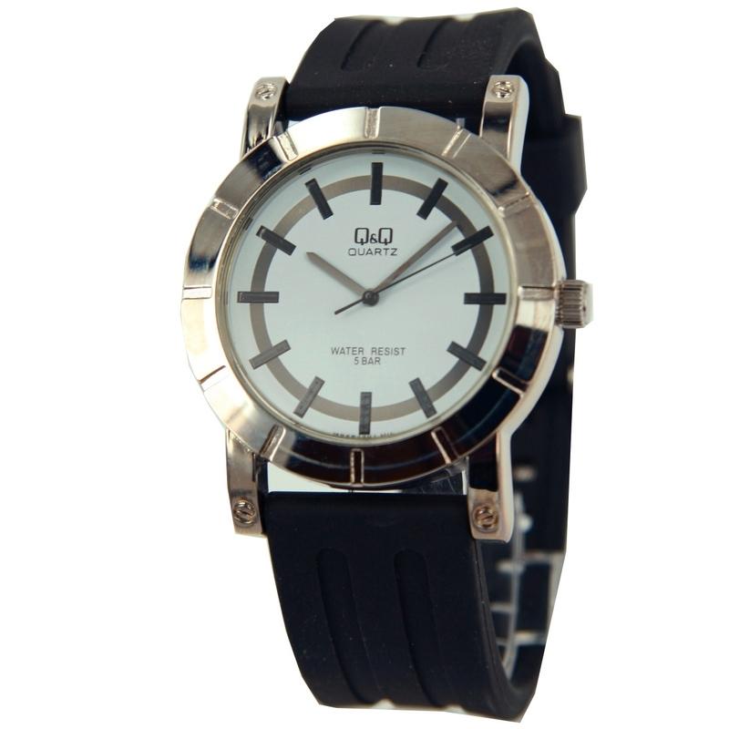 Horloge van Q&Q met een zwart rubberen horlogeband