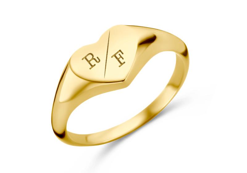 Hartvormige Gouden Zegelring met Twee Initialen   Names4ever