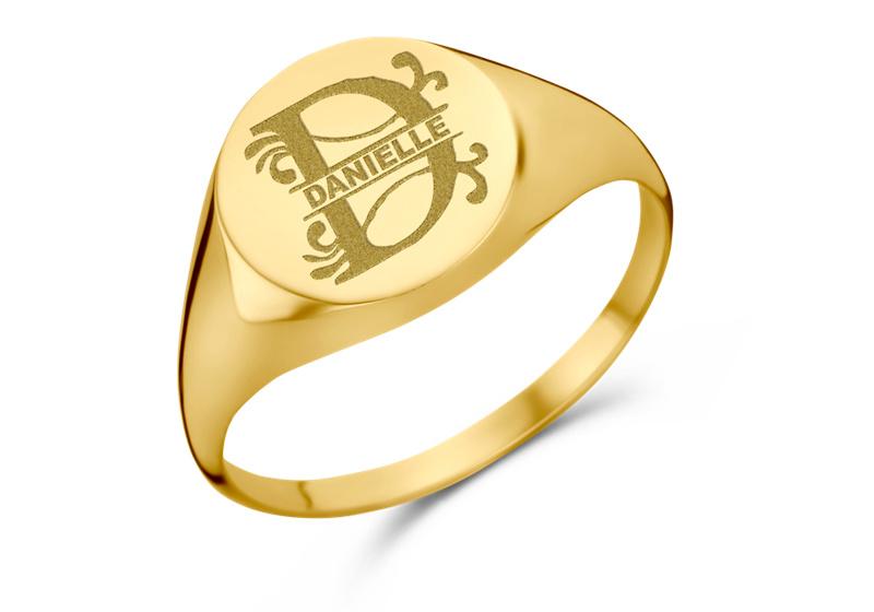 Gouden Ronde Zegelring met Initiaal en Naam | Names4ever
