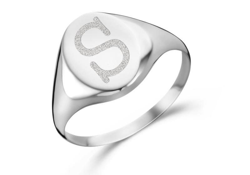 Zilveren Ovale Zegelring met Initiaal | Names4ever
