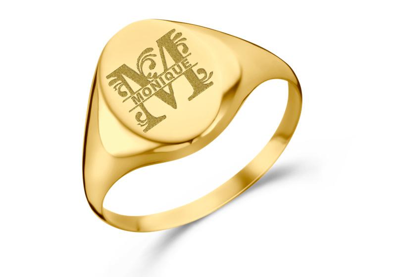 Gouden Zegelring Ovaal met Initiaal en Naam   Names4ever