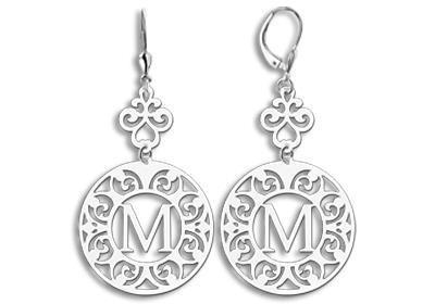 Names4ever Ornamentele Letter-oorbellen van Zilver