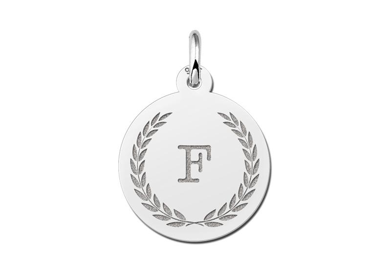 Zilveren Initialen Hanger met Lauwerkrans | Names4ever