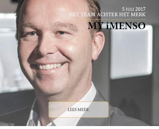 René Migchelsen, eigenaar van Bene-Lux Jewels bv – MY iMenso – In Het Team Achter het Merk nemen wij iedere maand een kijkje achter de schermen bij één van de merken die we op onze webshop aanbieden. Zo krijgt u een beter beeld van de visie van het merk en het team dat erachter zit. Onze eerste blik achter de schermen vindt plaats bij het internationaal bekende merk MY iMenso. Bekend om hun beeldschone, aan te passen medaillons heeft het merk geheel op eigen kracht een goede plek in de sieradenmarkt veroverd en ze blijven maar uitbreiden. Een bijzonder mooi merk met een zeer gemotiveerd team dat er achter de schermen alles aan doet om hun merk zo sterk mogelijk neer te zetten.