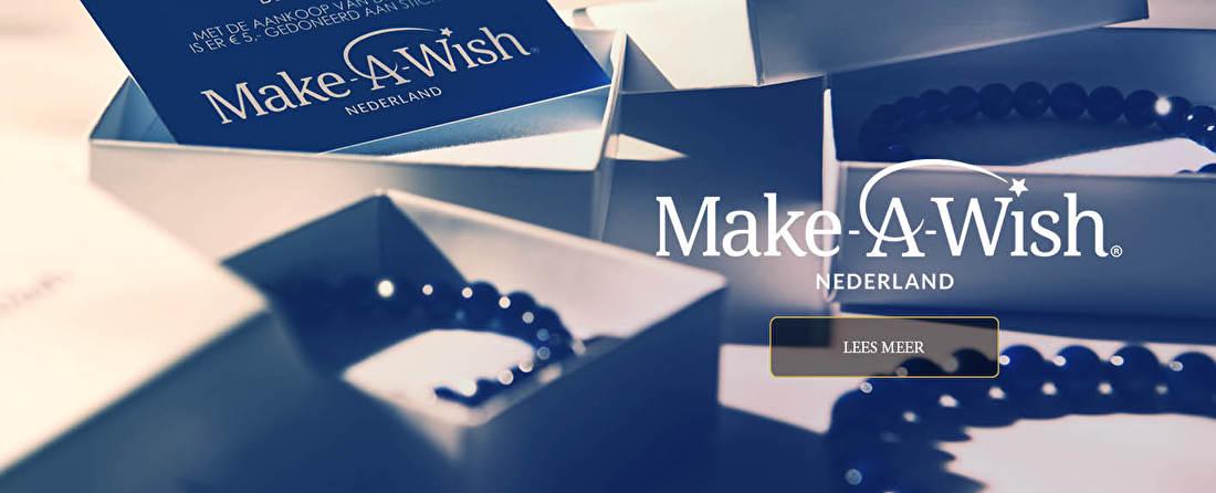 Samenwerking Make-A-Wish Nederland en Tiara Benelux BV - Deze nieuwe armbanden zullen gemaakt zijn van beeldschone Lapis Lazuli natuursteen kralen die handmatig aan een slank stuk elastiek geregen zijn met een mooie zilveren bedel die mooi glanst. Deze speelse armbanden hebben een diepe blauwe kleur die goed te combineren is met een groot aantal diverse outfits, waardoor u dit symbool van uw steun aan de stichting Make-A-Wish altijd kunt dragen.
