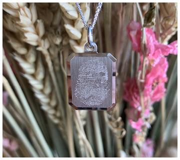 Vingerafdruk sieraad graveren - Juwelier It's Beautiful