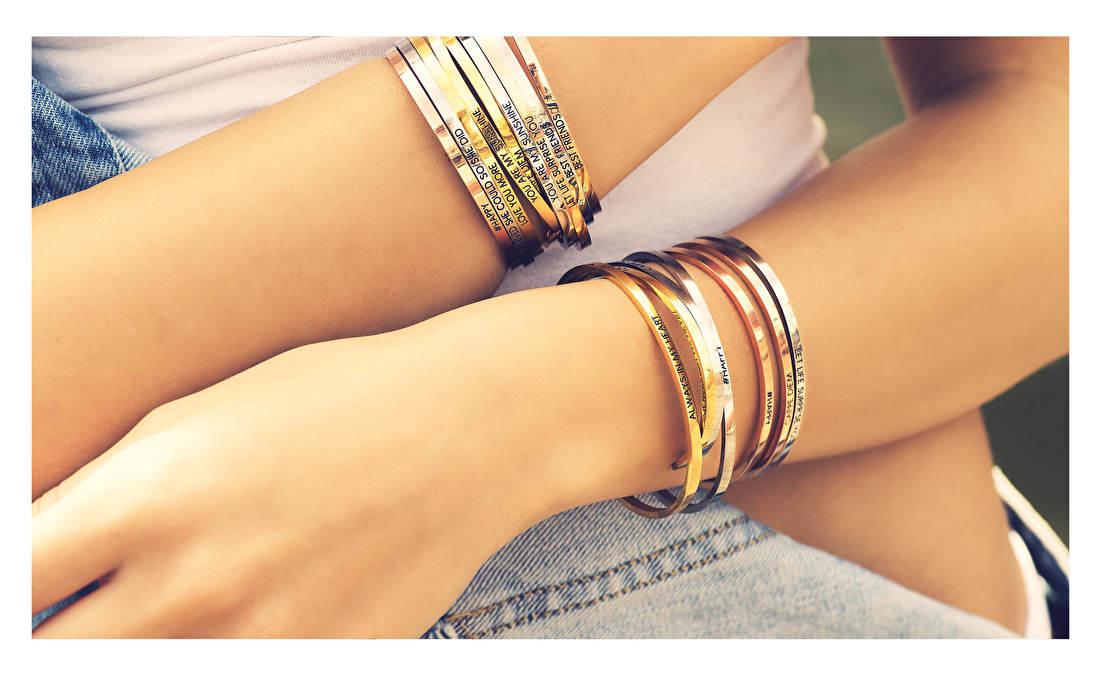 Het merk Key Moments heeft zich gespecialiseerd in het verwerken van deze belangrijke momenten in een reeks beeldschone sieraden die zo stijlvol zijn dat u ze maar wat graag zult willen dragen. Juwelier It's Beautiful