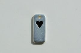 Hanger of label zilverkleur met zwart hartje (M-067-ZN)