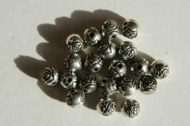 Zilveren roosjes 6 mm kunststof (AC-021)