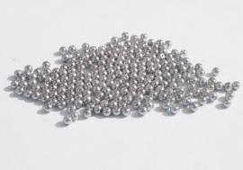 Kleine pareltjes in middengrijs, 4 mm (P-141)