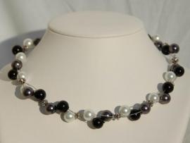 Zwart-wit-grijze parelketting, superstoer en stijlvol (DD-14)