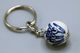 Sleutelhanger Delfts Blauw keramiek - bol met tulpjes