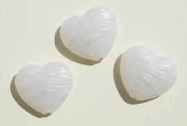 Hartjeskralen wit met parelmoer gestreept (AC-104-PH6)