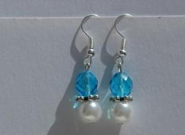 Aqua facet met witte parel, wát zomers! (OBP-013)