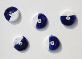 Platte ronde keramiek kralen in blauw-wit (GK-011-SF)