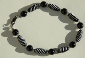 Armband zwart-wit gestreept met Swarovski (AB-03)