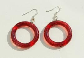 Oorbellen: Rode ringen met interne glinstering (OBD-009)