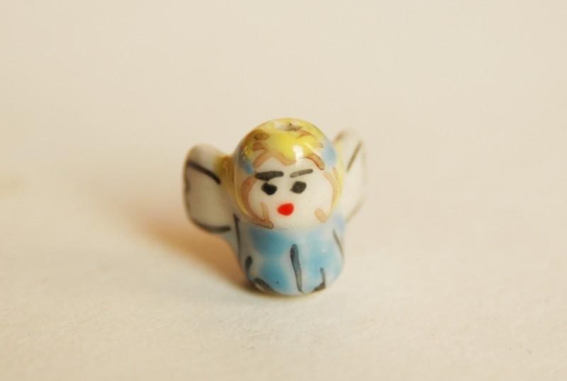 Keramiek engeltje, handgemaakte kraal, heel lief (K-006-PH)
