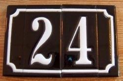 2 cijfers inclusief zijstrookje (huisnummer keramiek)