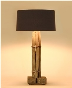 Kastanjehouten tafellamp Tierlantijn bij Jolijt (inclusief kap)