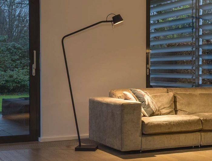Pliz vloerlamp Frezoli met koperen kapje L.214.1.670