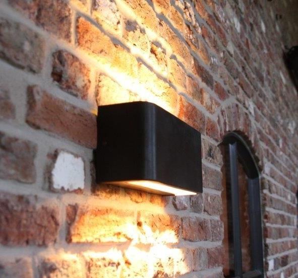 Vanno Large Buiten/wandlamp in donkerbruin zwarte finish Frezoli