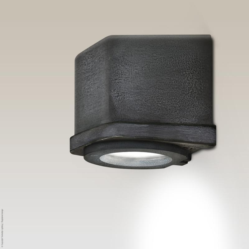 Sizz Wandlamp in loodkleur, voor buiten en binnen Frezoli