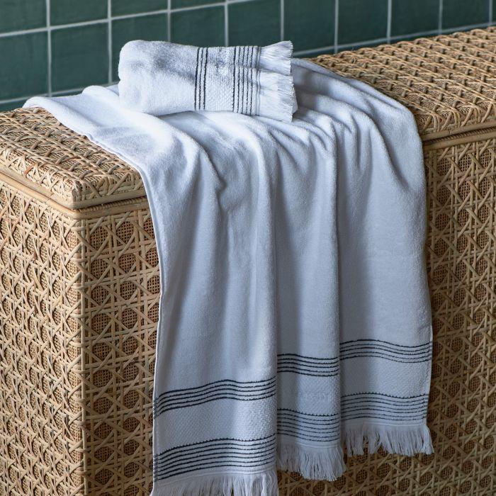 Serene white Towel  140x70 Riviera Maison 482140
