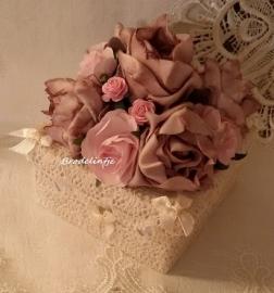 Romantisch vierkant rozen doosje