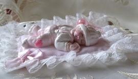 Baby Girl Joy met kussentje