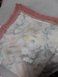 Tafelkleedje antiek kant