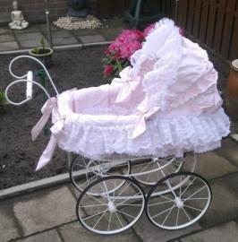Romantische Poppenwagen 1