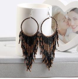 Prachtige Bohemian oorbellen kleine kraaltjes zwart 10 cm