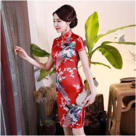 Bijzonder leuk Chinees pauwenjurkje rood