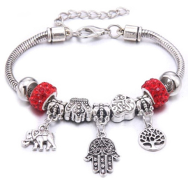 Mooi Pandorastyle armbandje met levensboom, handje, olifantje en rode strasskralen