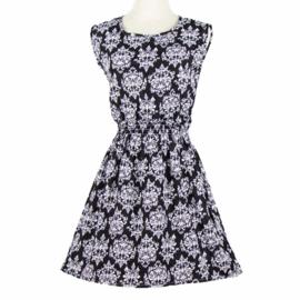 Leuk meiden zomerjurkje met elastieken taille zwart met wit  motief mt 146 t/m 164 (XS/S)