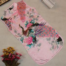 Pauwenjurkje Chinese knoopjessluiting roze