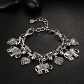 Supermooi antiek zilverkleurig Bohemian enkelbandje met olifanten en hartjes