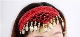Haarband rood met gouden muntjes