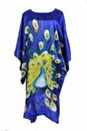 Mooie kobalt satijnen one-size jurk met pauwentooi maat 44 - 50