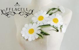 Prachtige opnaaibare bloemenapplicatie nr. 10