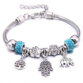 Mooi Pandorastyle armbandje met levensboom, handje, olifantje en blauwe strasskralen
