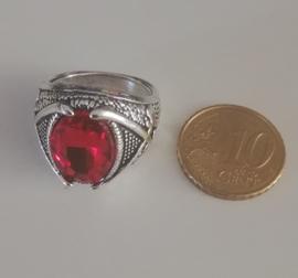 Nr. 8 Tibetaans zilveren ring met ovale facetgeslepen rode glassteen maat 19