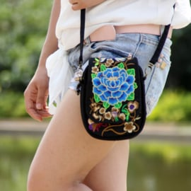 Leuk èn handig geborduurd schoudertasje met dubbele rits blauwe lotusbloem