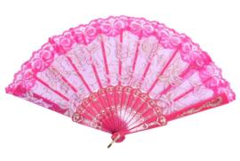 Hele mooie handwaaier met kant en rozen fuchsia