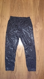 "Superleuke zwarte ""panter"" glimlegging"