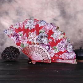 Prachtige handwaaier van stof met grote bloemen rood