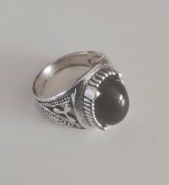 Nr. 6 Tibetaans zilveren ring met ovale zwarte natuursteen maat 19