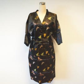 Prachtige lange zwarte brokaat kimono met vlinders one-size